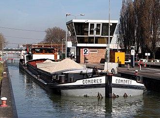 Freycinet gauge - Péniche on the Saint-Denis Canal
