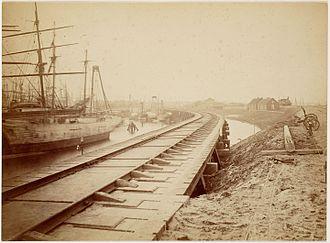 Amsterdam–Zutphen railway - Amsterdam–Zutphen railway construction, c. 1874