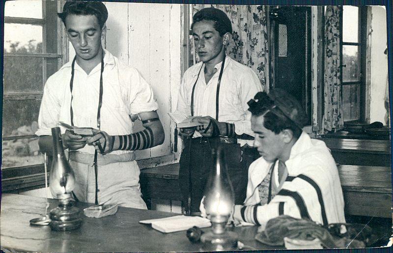 תפילה בבית המדרש ברודגס