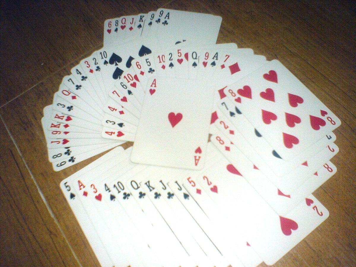 Con kien card game