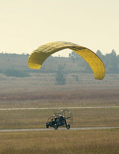 Powered paragliding trike-001.jpg
