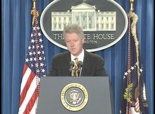 Datei:President Clinton's Remarks Regarding Columbine HS Shooting (1999).webm