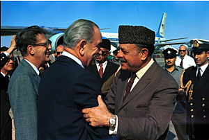 Pakistan–United States relations - President Lyndon B. Johnson meets with President Ayub Khan in Karachi, Pakistan