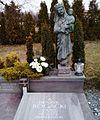 Prof. Henryk Rogacki tomb, Suchy Las.jpg