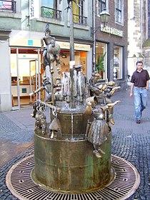 Puppenbrunnen in Aachen 2008 PD 01.JPG