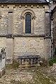 Quatrième travée du mur sud de l'église Saint-Pierre (Vaux-sur-Seulles, Calvados, France).jpg