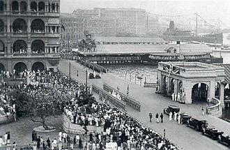 Queen's Pier - Queen's Pier (right), Clementi's inauguration in 1925