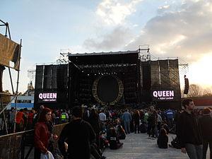 Queen + Adam Lambert Tour 2014–2015 - Image: Queen GEBA