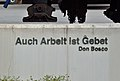 Rastplatz und Kreuz bei der Fa. Hella, Abfaltersbach 02.jpg