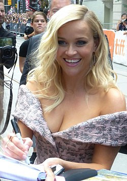 Reese Witherspoon (29144489784).jpg