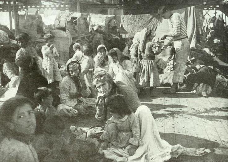 Refugies arméniens du Musa Dagh sur un croiseur francais en 1915