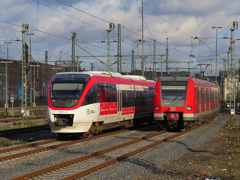 File:Regiobahn Talent Düsseldorf.jpg