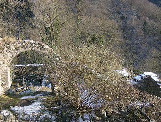 Camerata Cornello - Image: Resti del castello dei Tasso
