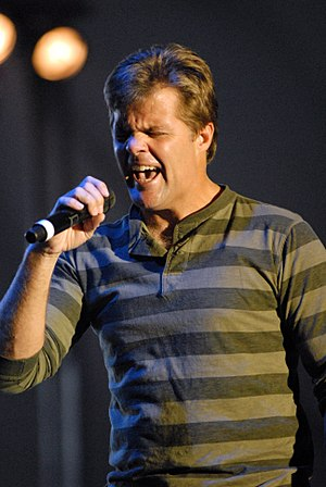 Lonestar - Lead vocalist Richie McDonald, pictured here in 2007, left the group between 2007 and 2011 for a solo career.