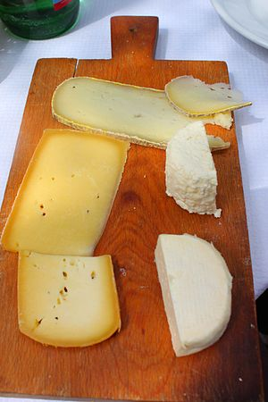 Trencher (tableware) - Cheeseboard