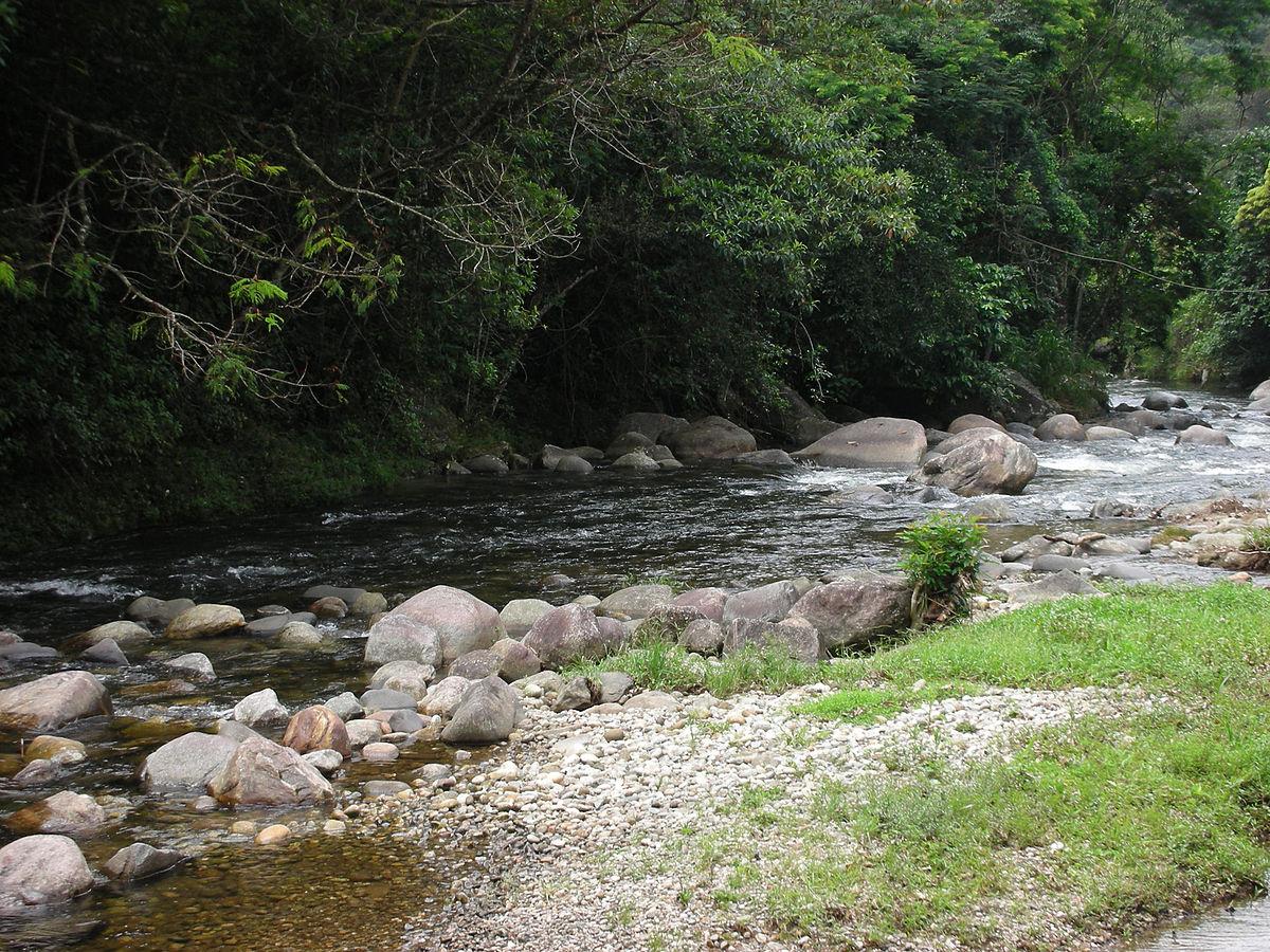 Cachoeiras de Macacu Rio de Janeiro fonte: upload.wikimedia.org