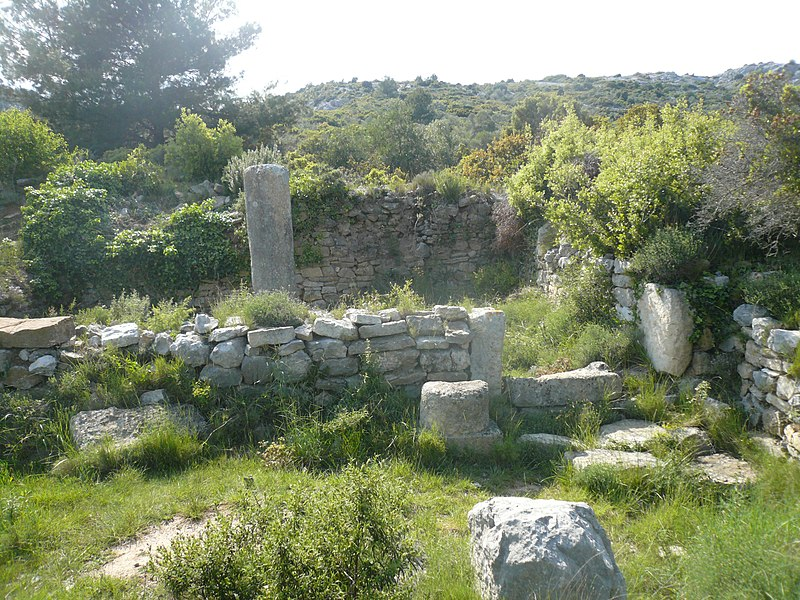 Les Bornes milliaires à Roquefort-des-Corbières