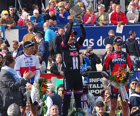 Roubaix - Paris-Roubaix, 12 avril 2015, arrivée (B31).JPG