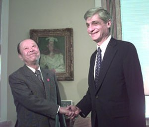 Kiichi Miyazawa - Kiichi Miyazawa, left, meets in 1999 with U.S. Secretary of Treasury Robert Rubin. At the time, Miyazawa was serving as minister of finance.
