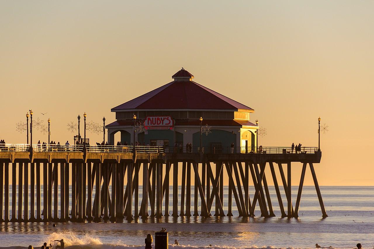 Rubys Huntington Beach Pier Rooftop
