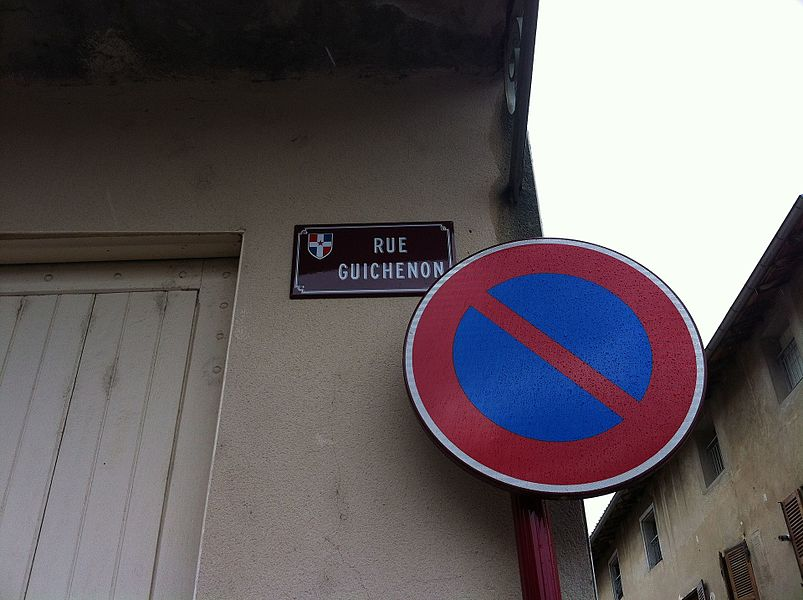 Rue Guichenon à Châtillon-sur-Chalaronne.
