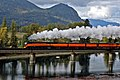 SP 4449 crossing Clark Fork River just south of Lake Pend Oreille, Oct 2004.jpg