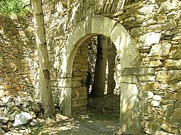 Entrada a una de las dependencias del Monasterio.