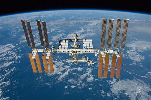 STS132 undocking iss2