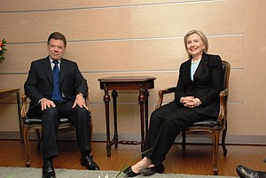 Juan Manuel Santos - Santos and U.S. Secretary of State Hillary Clinton, 9 June 2010.