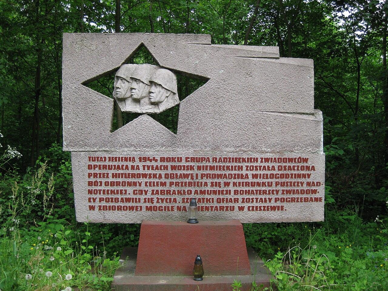 Pomnik Armii Czerwonej w Sarnicach