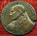 Scuola romana, medaglia di adriano VI e pace con abbondanza, 1522-23.JPG