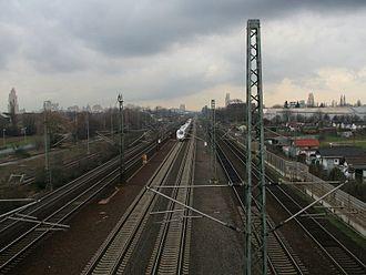 Köln–Frankfurt high-speed rail line - Six track section near Porz