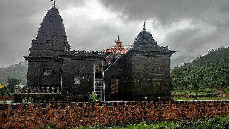 File:Shri ram vardayani mandir side view.jpg