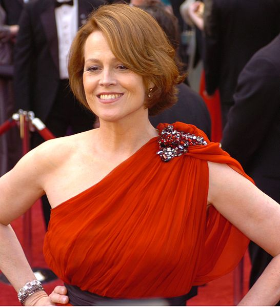 File:Sigourney Weaver @ 2010 Academy Awards (cropped).jpg