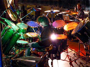 Simon Phillips (drummer) - Phillips in 2001