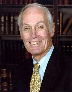 Slade Gorton, oficiala Senato-fotoportrait.jpg