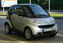 Smart Fortwo Coupé 1.0 mhd Passion (451) – Frontansicht, 25. April 2011, Ratingen.jpg