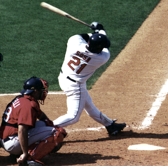 Sammy Sosa - Image: Sosa swinging 4