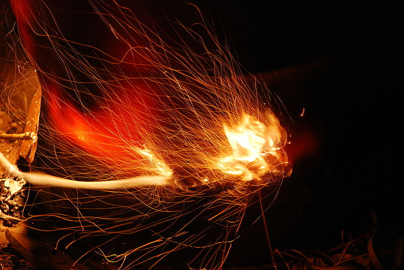 http://upload.wikimedia.org/wikipedia/commons/thumb/8/81/Sparks.JPG/800px-Sparks.JPG