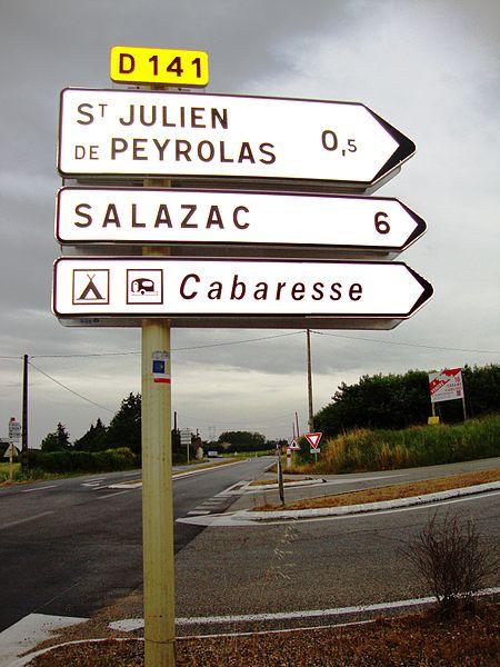 St.Julien de Peyrolas (Gard, Fr), panneaux indicateurs avec balisage chemin de St.Jacques.JPG