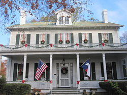 Starr Home at Christmas, Marshall, TX IMG 2350.JPG