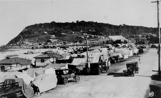 StateLibQld 2 65979 Esplanade at Burleigh, Queensland, Christmas 1932
