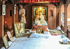 Ahilyabai Holkar - Statue of Ahilya Bai Holkar in the royal palace, Maheshwar