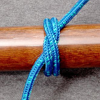 Turn (knot) - The riding turn of this strangle knot passes from the upper left to lower right