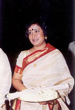 Taslima Nasrin receiving Ananda Award in 2000.jpg