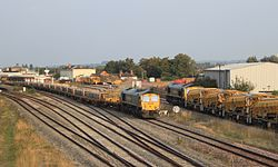Taunton - Freightliner 66951 with HOTT and 66617 with HOBC (DR80206 in background).JPG