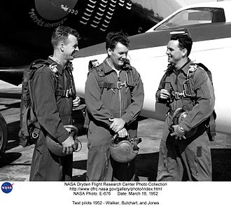 Joseph A. Walker - Walker (L) with his fellow test pilots Butchart (C) and Jones (R), 1952
