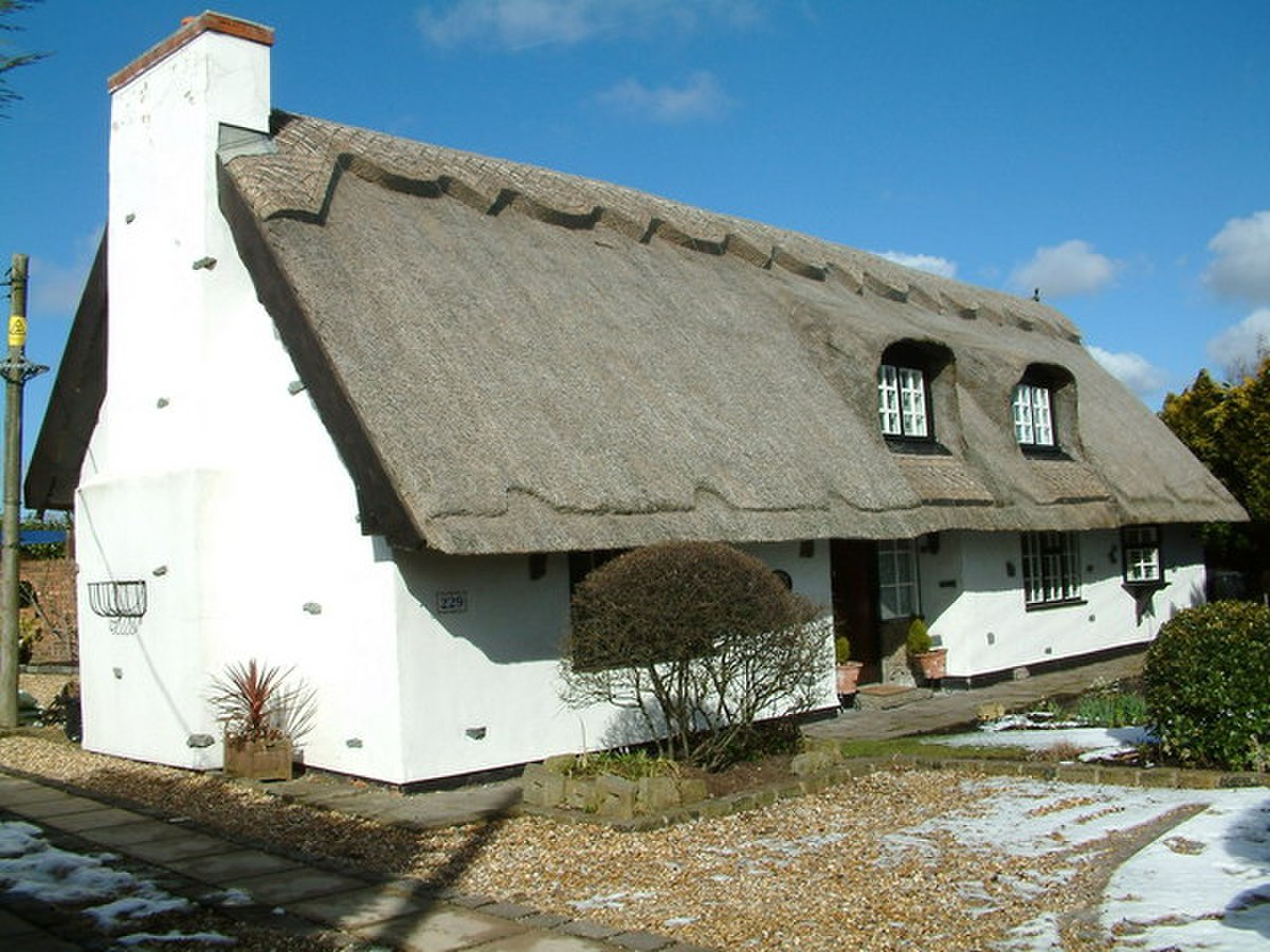 Thatched Cottage - geograph.org.uk - 132427.jpg