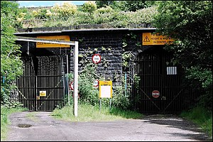 Standedge Tunnels - The 1848 and 1871 tunnel portals at Diggle