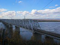 The bridge across the Amur River (in Komsomolsk-on-Amur).jpg